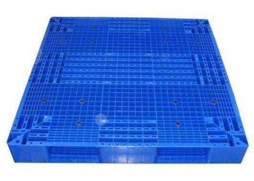 Double sided blow molding tray production process